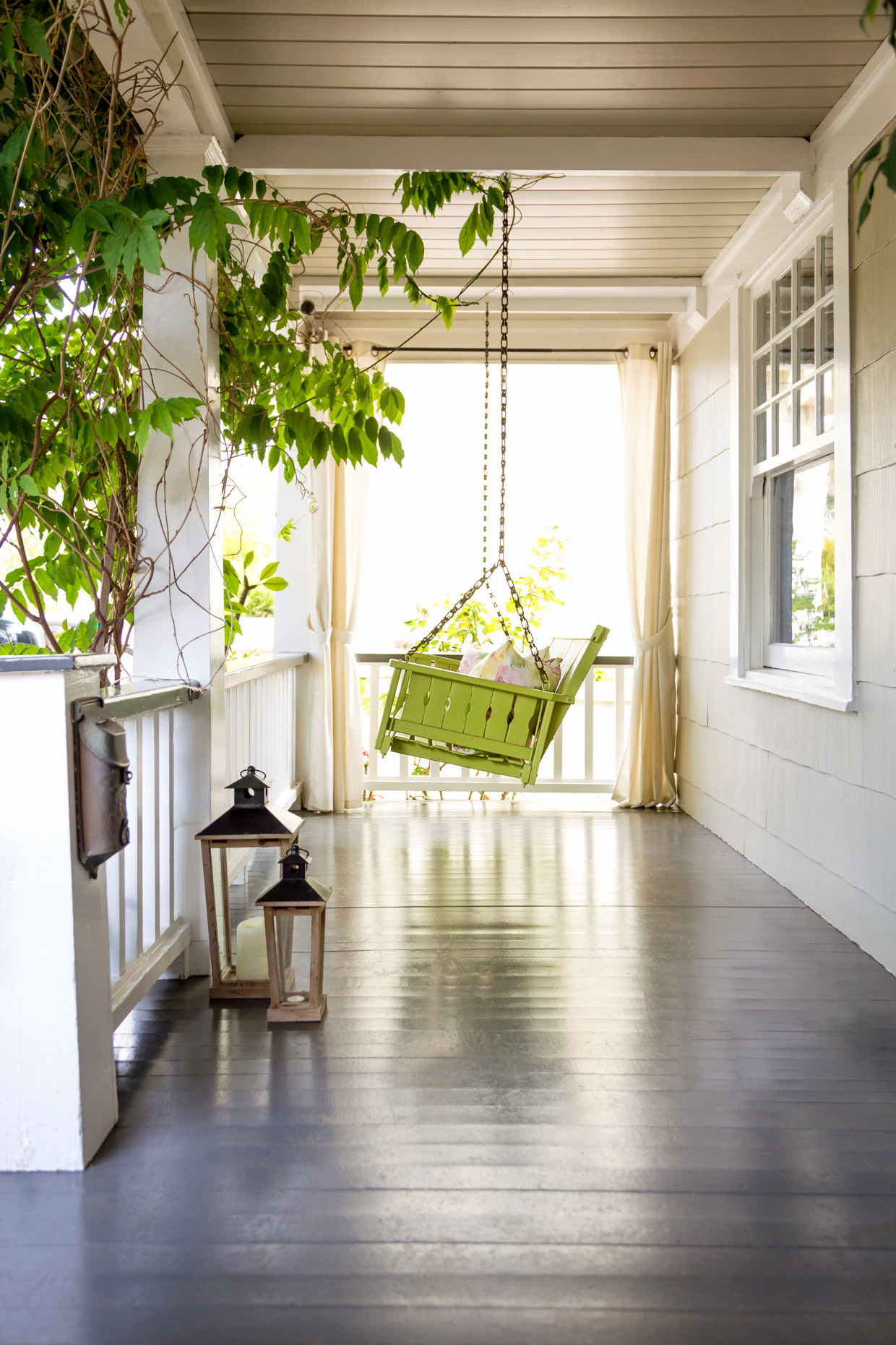 SiriBerting, SiriBertingPhotography,  Interiors, Exteriors, Front Porches, Swings