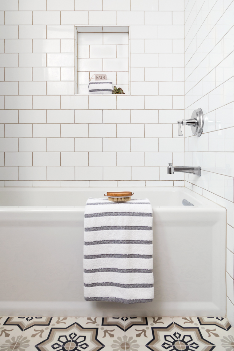 SiriBerting, SiriBertingPhotography,  Interiors, bathroom style, clean design, bath room decor, subway tile bathroom